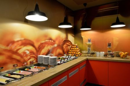 Hotel Ibis City in the city centre with buffet breakfast