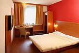 Double room at discount price in Star Inn Hotel close to Nyugati railway station
