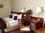 Hotel Gold Wine & Dine - discount hotel room in Buda close to Elizabeth Brige
